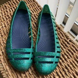 girls croc jelly shoes size 3